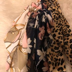2/$30Sale 🛍Luxe scarf Scrunchies set of 3